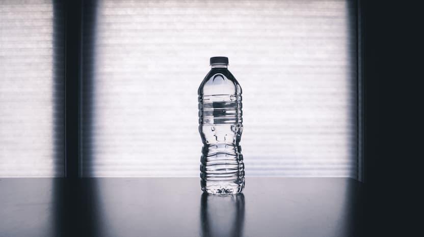 מיכל מים להפחתת לחץ